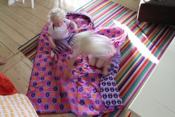 Udslået Småfolk sovepose i lilla